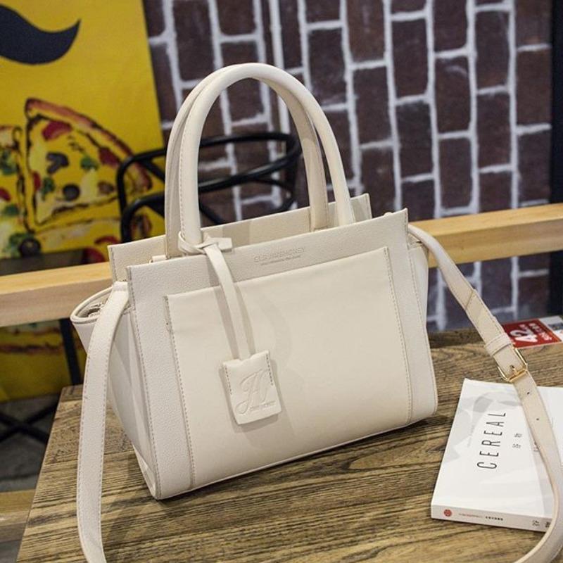 Купить брендовые женские сумки в интернет магазине